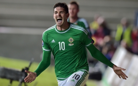 BELFAST, NORTHERN IRELAND - SEPTEMBER 7: Kyle Lafferty of Northern Ireland celebrates after scoring a late equaliser during the Euro 2016 Group F qualifying match between Northern Ireland and Hungary at Windsor Park on September 7, 2015 in Belfast, Northern Ireland. (Photo by Charles McQuillan/Getty Images)
