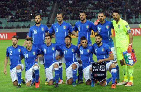 816206-l-equipe-d-italie-pose-avant-le-match-de-qualification-pour-l-euro-2016-contre-l-azerbaidjan-le-10-o