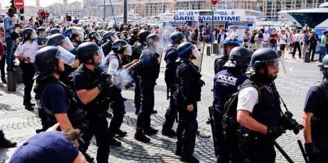 Euro-2016-Marseille-la-police-n-a-pu-interpeller-aucun-des-150-hooligans-russes