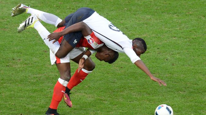 Poteau, poteau et poteau : ce qu'il faut retenir de France-Suisse
