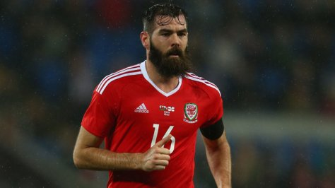 wales-midfielder-joe-ledley_3472619